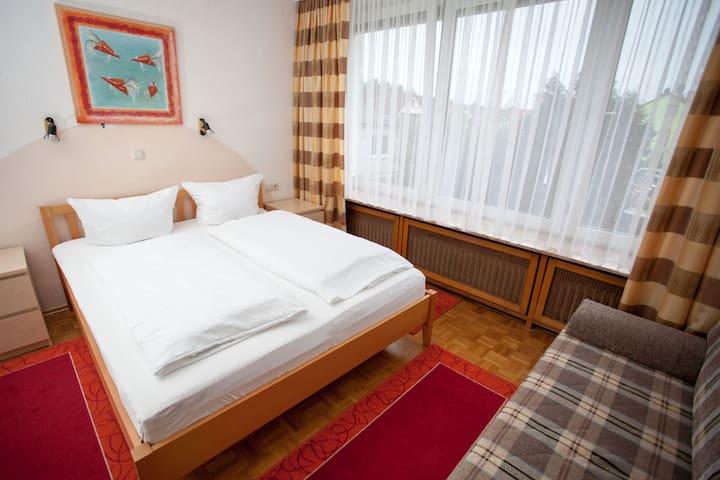 Hotel Zum Prinzen GbR, (Sinsheim), Comfort-Doppelzimmer mit Dusche und WC