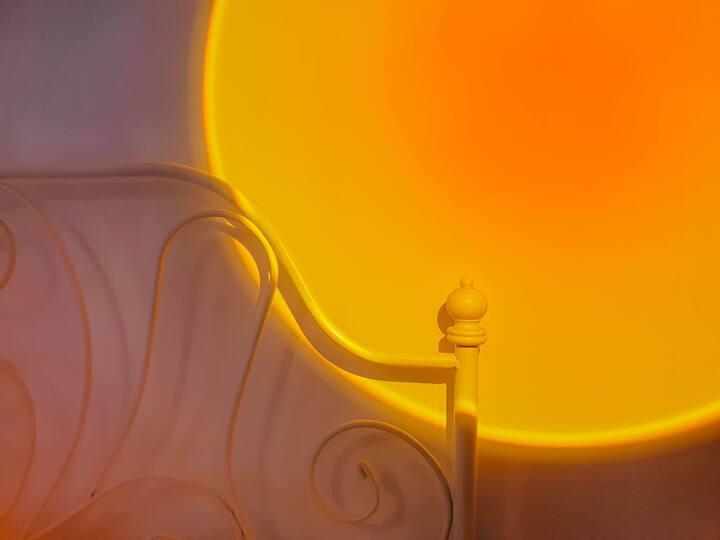 「泊系」网红日落灯 | 投影 | 地铁口上盖 阳光房| 近车公庙 |有书桌适合办公学习