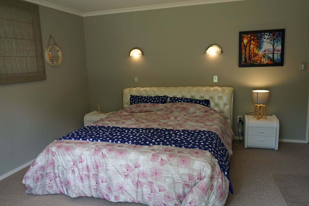 master bedroom with ensuite flagstaff hamilton houses for rent in hamilton waikato new
