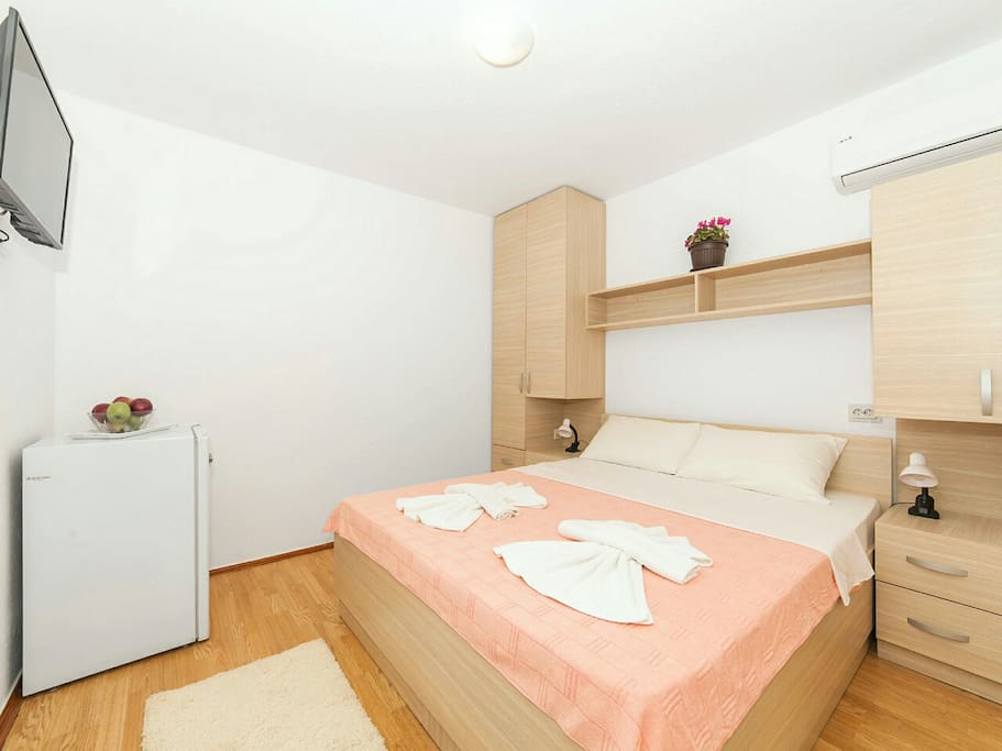 Room is air conditioned, offers a fridge, cable TV & free Wi-Fi.