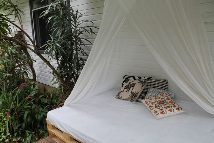 Peaceful Rainforest Bungalow 20 Minutes From Byron - Possum Creek - Μπανγκαλόου