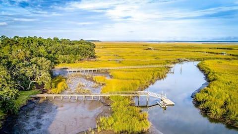 Stylish Luxury Marsh Retreat on Deep Water Creek