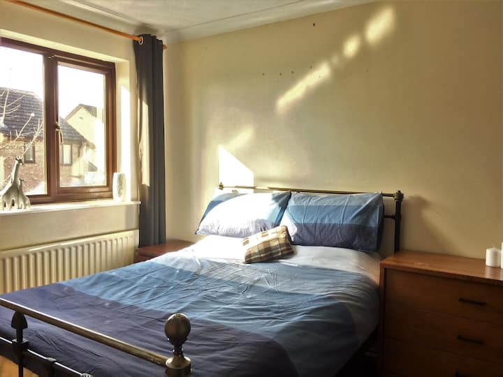 6 Bedroom with van parking, near Corby Kettering