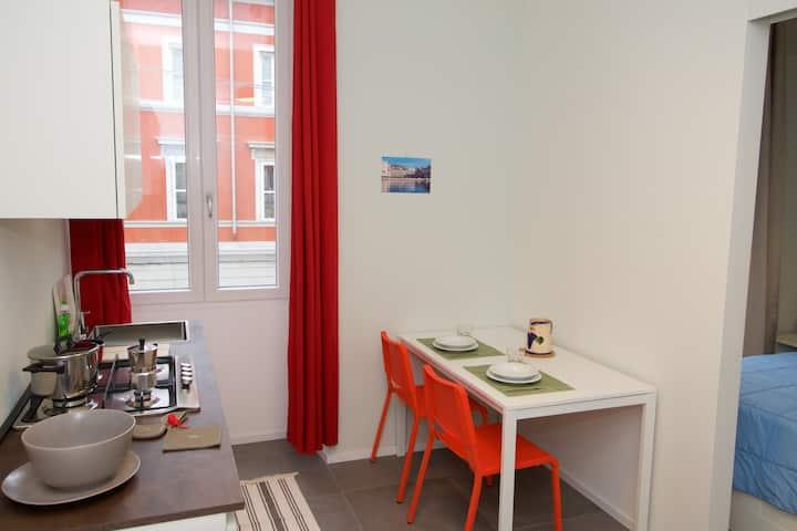 Elena's brend new apartment_int.61