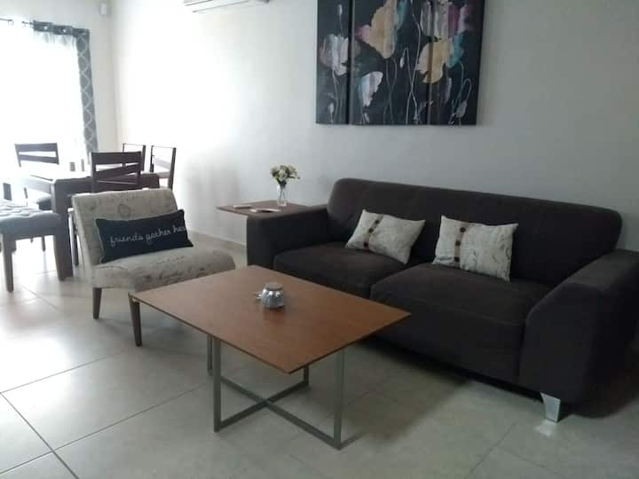 Estupenda casa súper cómoda en colonia privada