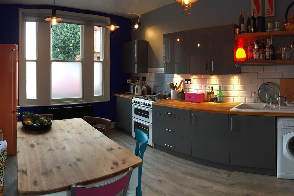 London Garden Rooms Woodford