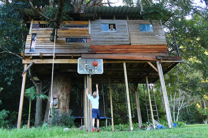 Fun at the treehouse