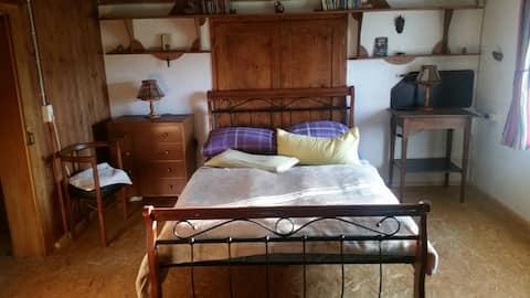 Unkompliziertes Zimmer für unkomplizierte Gäste