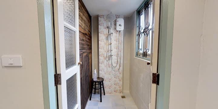 Cozy Room for 4; Khaosan/Old Town; Breakfast&WiFi