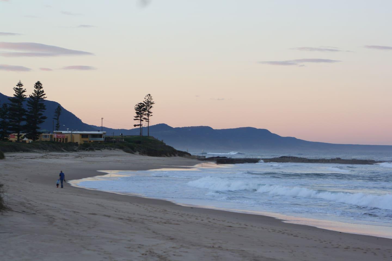 Stroll on Bulli Beach
