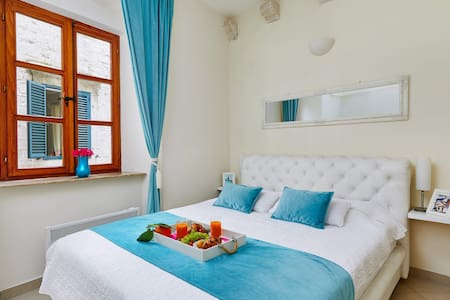 ❤️of Old Town Venecian Charm 1BR SelfCheck🇲🇪🇵🇱