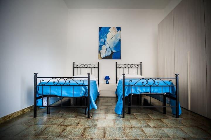 """LA PERLA DEL MARE stanza """"Golden"""" per 2 persone - Pontecagnano Faiano - Bed & Breakfast"""