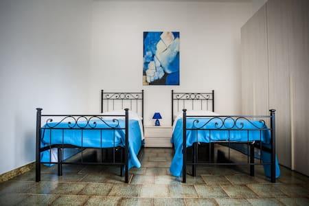 """LA PERLA DEL MARE stanza """"Golden"""" per 2 persone - Bed & Breakfast"""