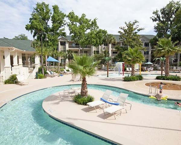 Beautiful Coral Sands Resort - Hilton Head Island