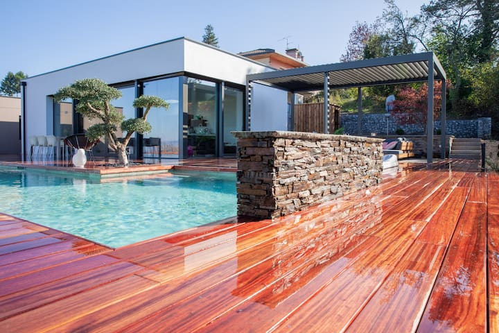 new villa EVIAN