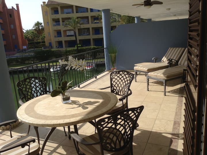 Sotogrande - huge terrace overlooking the marina