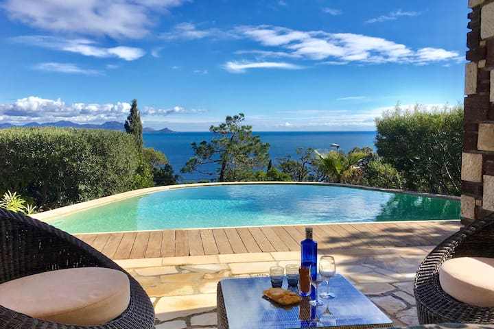 Affluent Villa in Les Issambres with Pool and Panoramic Seaview