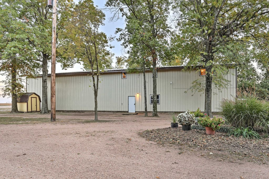 Located in the charming small town of Partridge, this quiet hideaway is surrounded by towering trees, flat fields, and country gravel roads.