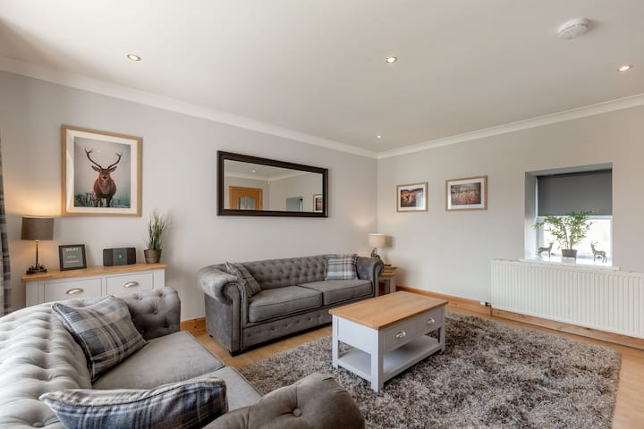 Dunfermline Holiday Homes No.1