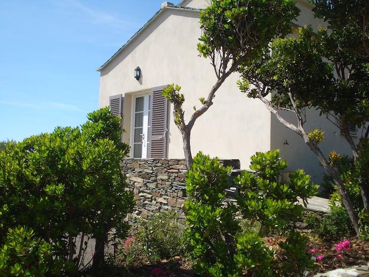 Maison pour 2 avec piscine, Centuri-port, vue mer