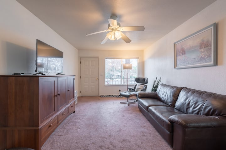 ★ Spacious 2BR House Roseville Historic Downtown