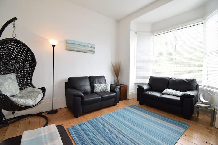 3 bedrooms in the best location in Ventnor