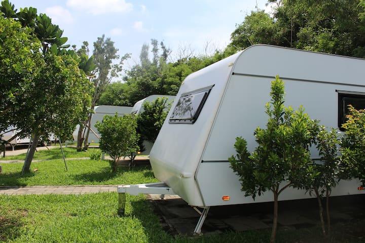 墾丁後壁湖 露營車民宿 Kenting Camping car