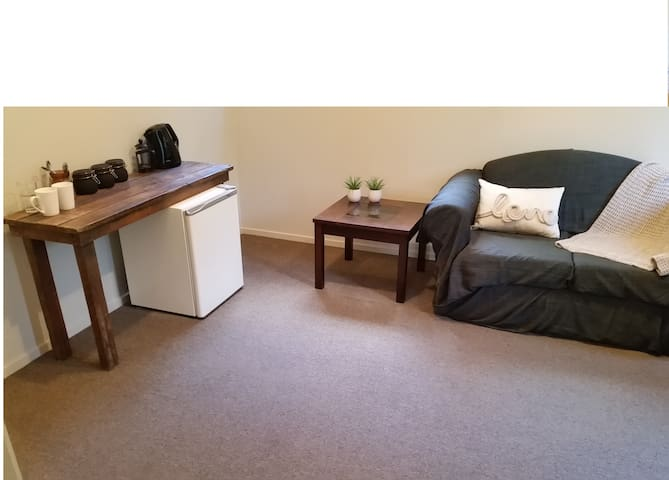 Private Lockable bedroom suite with en suite