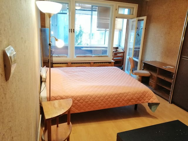 Top location 1bedroom apartment and welcoming host