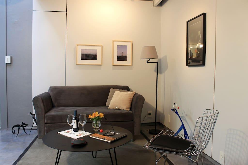 Encantador estudio contemporaneo lofts for rent in for Mobiliario urbano contemporaneo