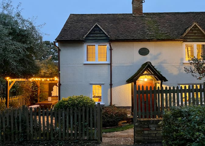 Beautiful Cottage in the heart of Buntingford