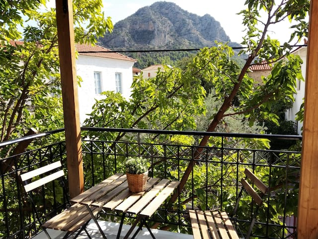Beautiful maisonette in Leonidio
