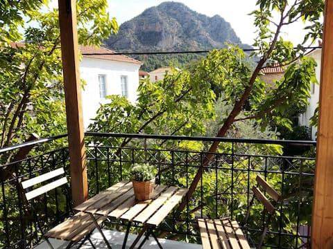 Beautiful maisonette in Leonidio