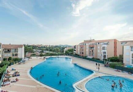 Appartement T2 climatisé avec piscine et tennis