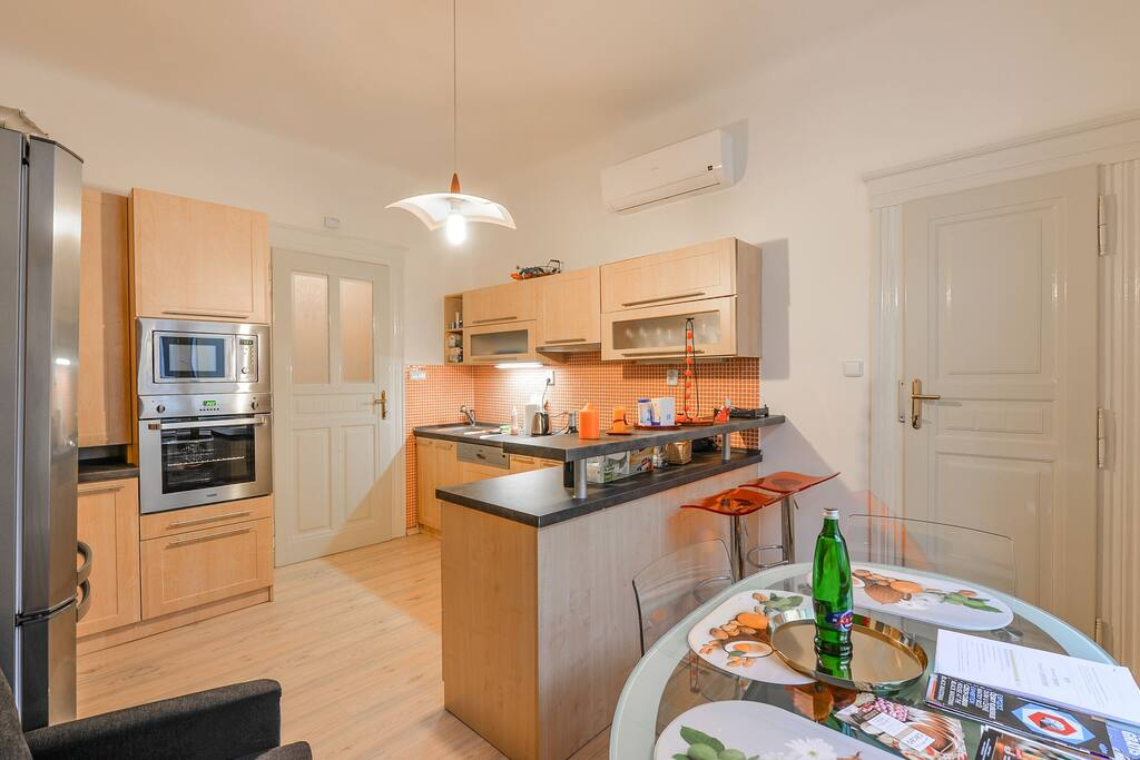 fully equipped kitchen equipped with dishwasher, stove, kettle , toaster , teas, coffee etc.