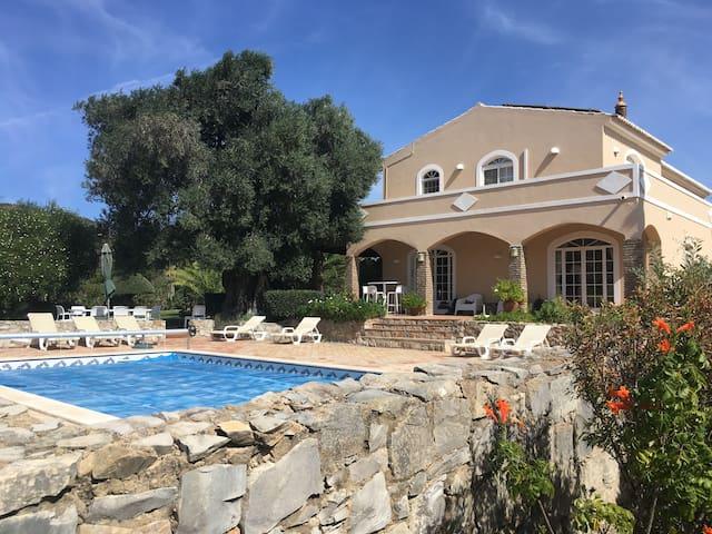 Spacious villa with pool, lovely garden, privacy