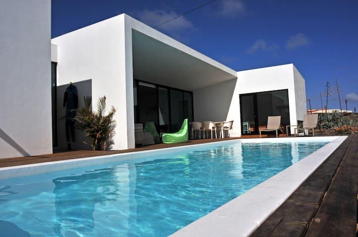 MALI HOUSE Luxurious Villa in Lajares, heated pool