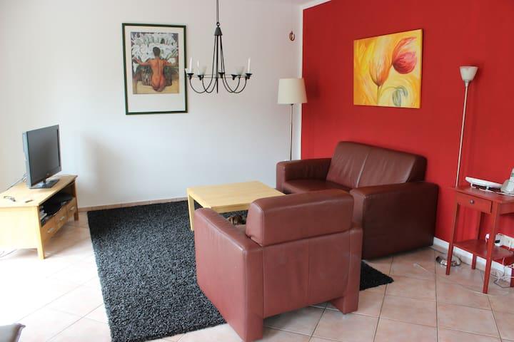 Doppelhaushälfte für Paare/ Familien mit 1 Kind - Adendorf - Rumah