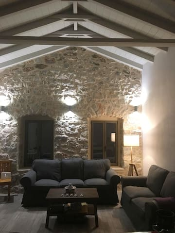 Traditional stone cottage in the heart of Areopoli