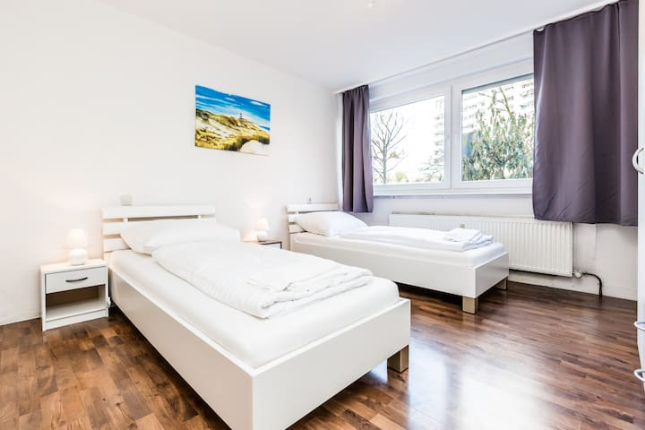 B17 cozy, spacious apartment with balcony in Bergisch Gladbach Bensberg