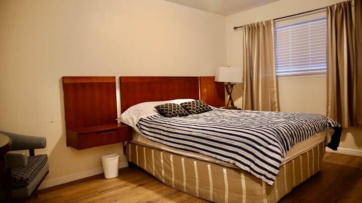 *3* Nice room near Strip