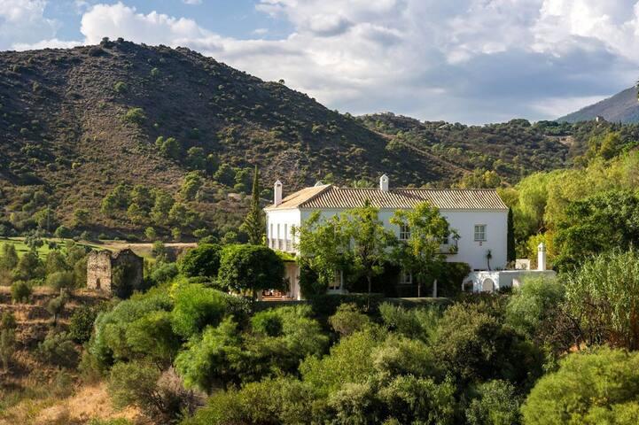 Exceptional estate, pool & close to beaches - Benahavís - Casa de campo