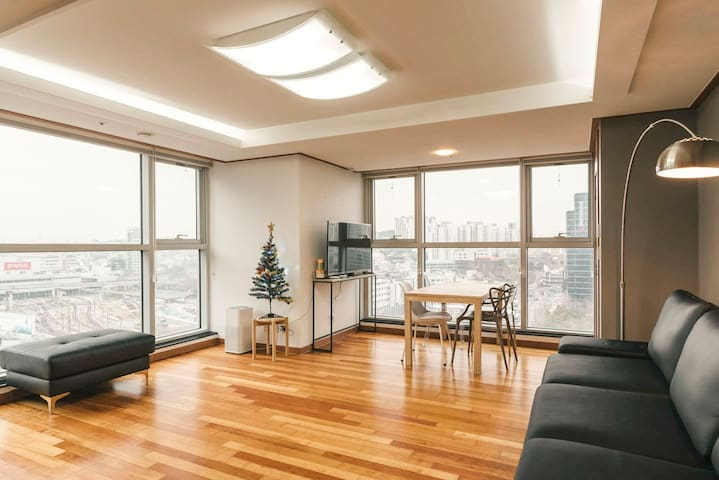 Luxury 3BR·2Bath @ SeoulSTN - Jung-gu - Apartament
