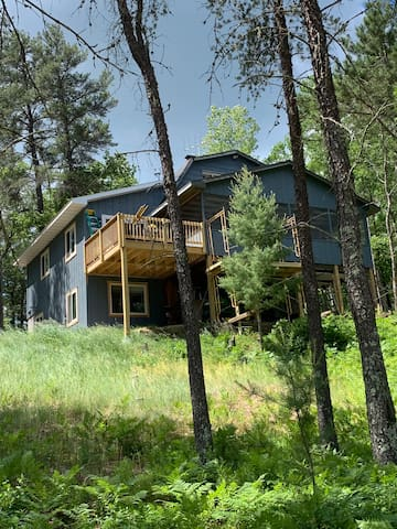Large 6 BR home on clean lake in Northern WI