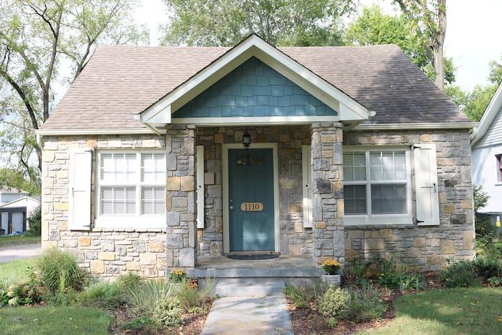 East Nashville Cozy Cottage