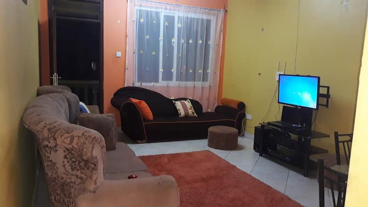 Private Room,2beds  in apartment with Breakfast