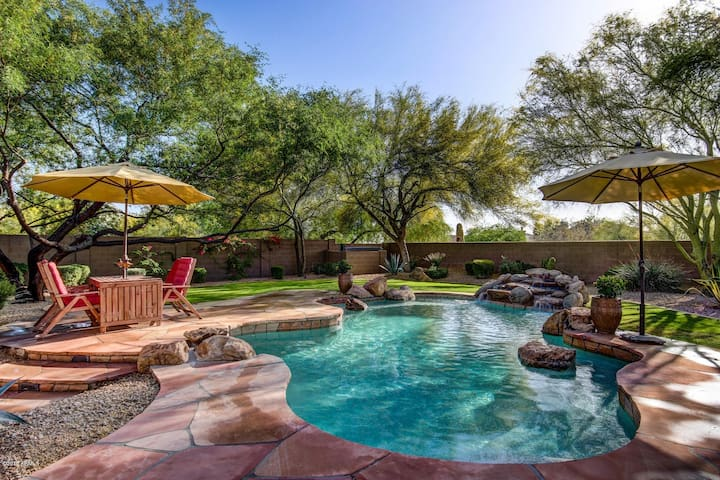 Spacious 4BR + Home Theater & Private Backyard