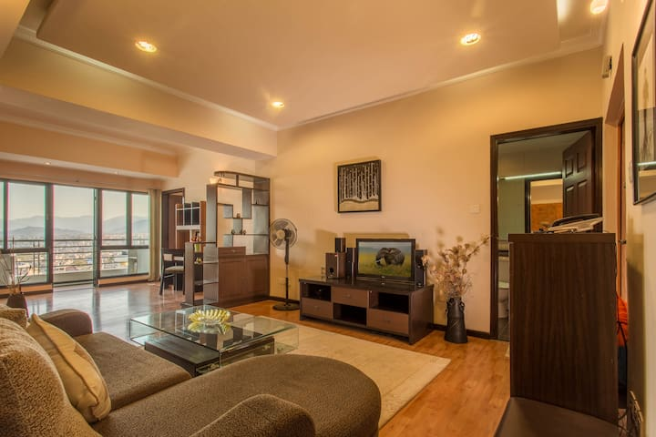 Deluxe 2 Bedroom  Apartment at TCH Tower IV