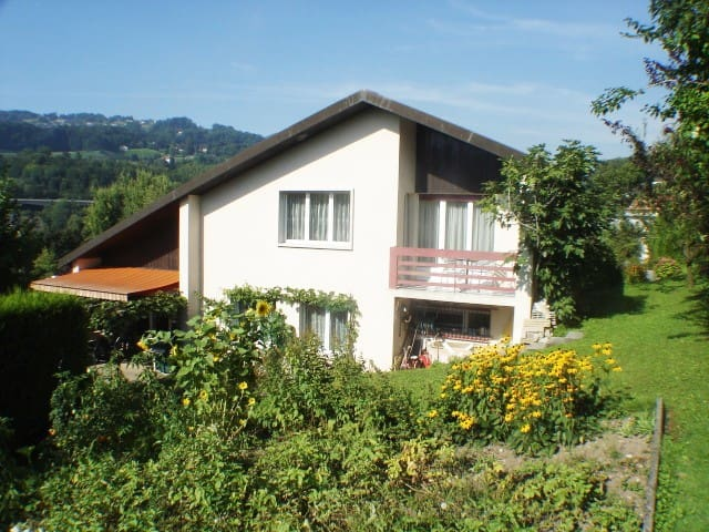 Vevey: Chambre d'hôte (cadre verdure/villa privée)