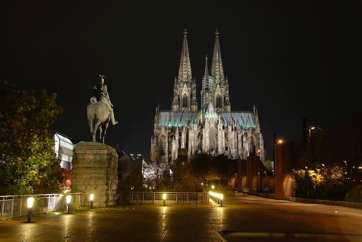 Köln Zentrum, direkt am Dom 38 qm